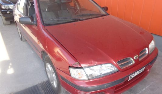 Nissan Primera 1996