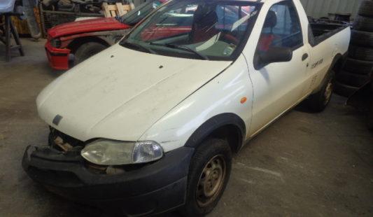 Fiat Strada 2002