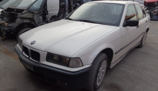 BMW 320i 1991